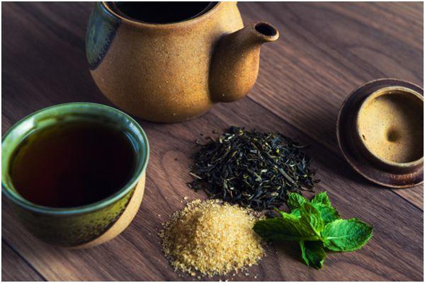 чай, сахар, мята и кружка