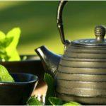 чайный сервиз и мята