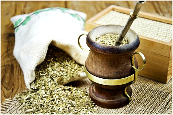 матэ в деревянной калебасе