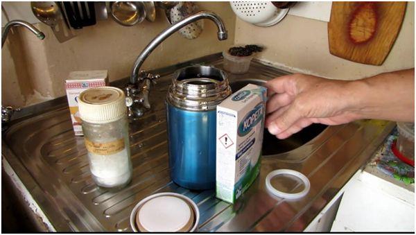 чистка термоса зубными таблетками