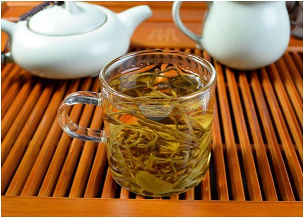 заваренный зеленый чай