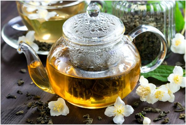заваренный жасминовый чай