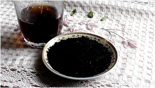 заваренный чай из черного тмина