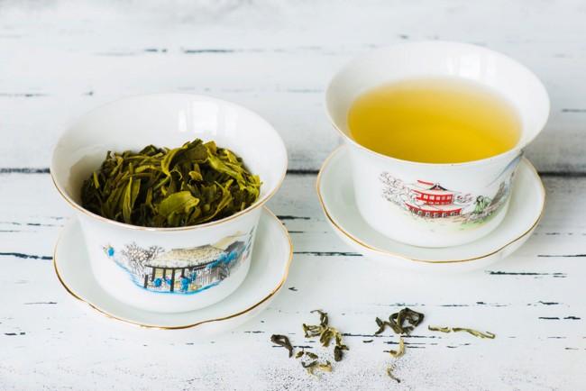 2 чашки с чаем билочунь