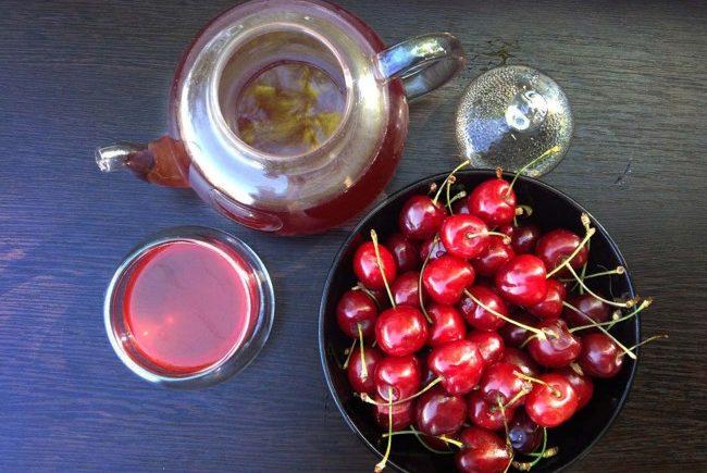 вишня и чай пуэр