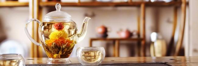 чайник с китайским чаем