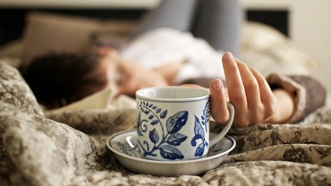 чашка чая в постели
