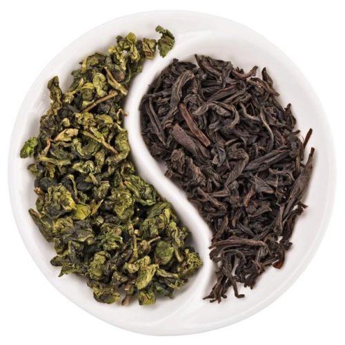 листья черного и зеленого чая