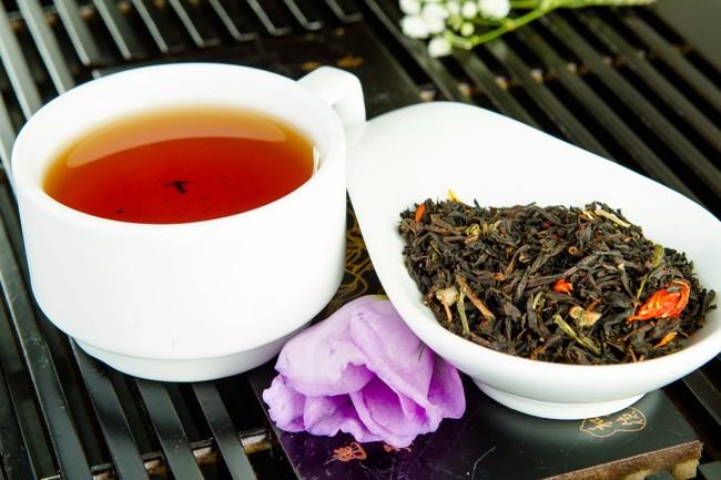 смесь зеленого и черного чая