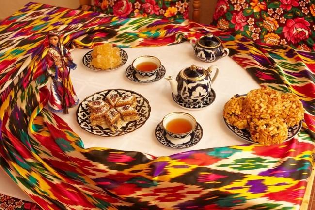 узбекский стол с чаем