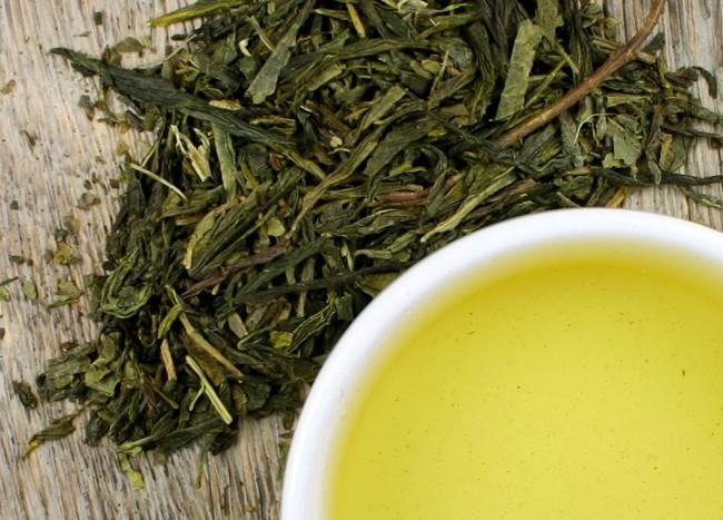 сухие листья зеленого чая